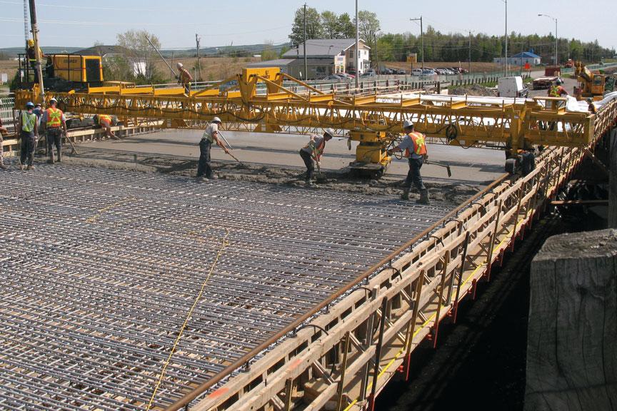Gomaco Manufacturer Of Concrete Slipform Paving Equipment